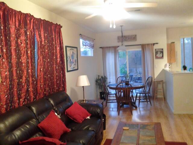 Private Room, Near Balloon Fiesta
