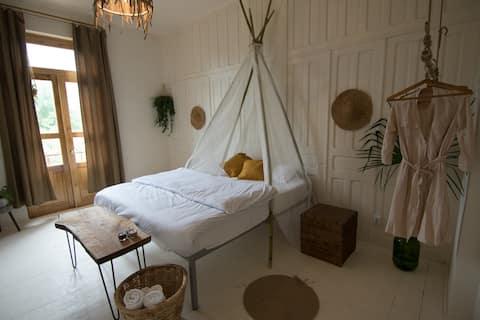 KARMA Hostel | romantic double room + breakfast