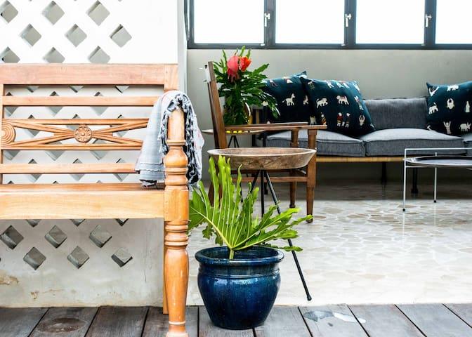 Super-Cool Rooftop Apartment Canggu - private pool - Kuta Utara - Leilighet