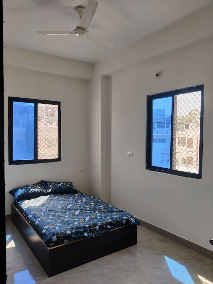 TicAna modern studio with full kitchen & rooftop