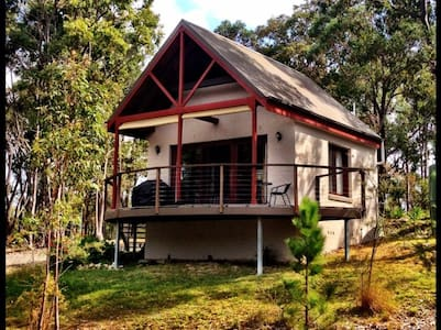 Cosy cabin with great water views - Pindimar