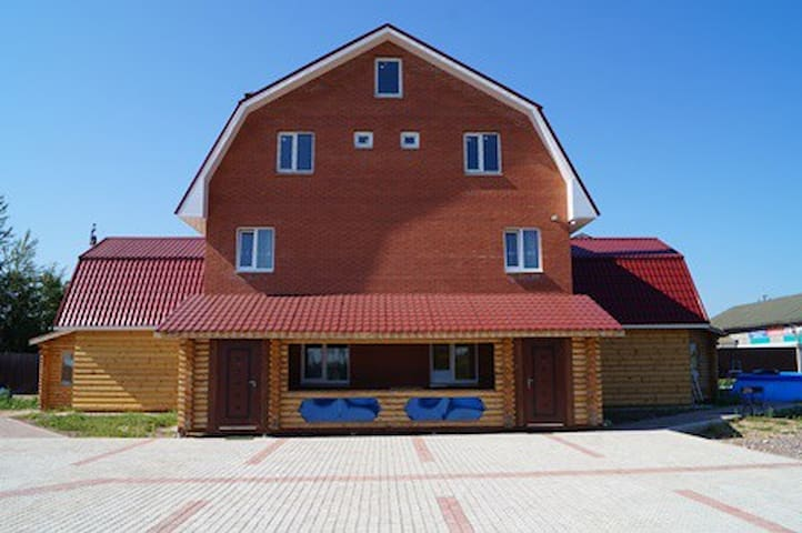 Загородный  коттедж с русской баней - Gatchinsky District - House