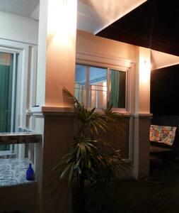 บ้านเดี่ยว แบ่งห้องให้เช่า - San Klang