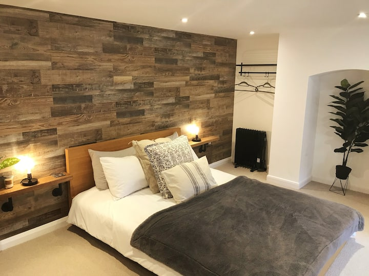 Private studio flat close to Stansted Airport