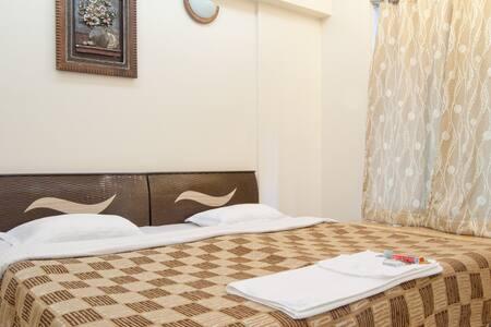 3 Bedroom @Powai Lake nr Hiranandan - Mumbai - Apartment