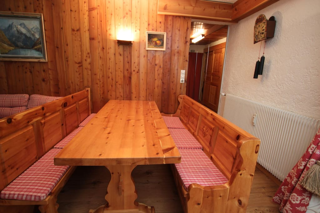 Dining table - fit 8 people