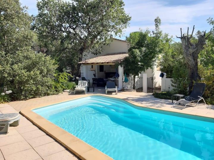 Belle maison avec piscine privée dans le Var