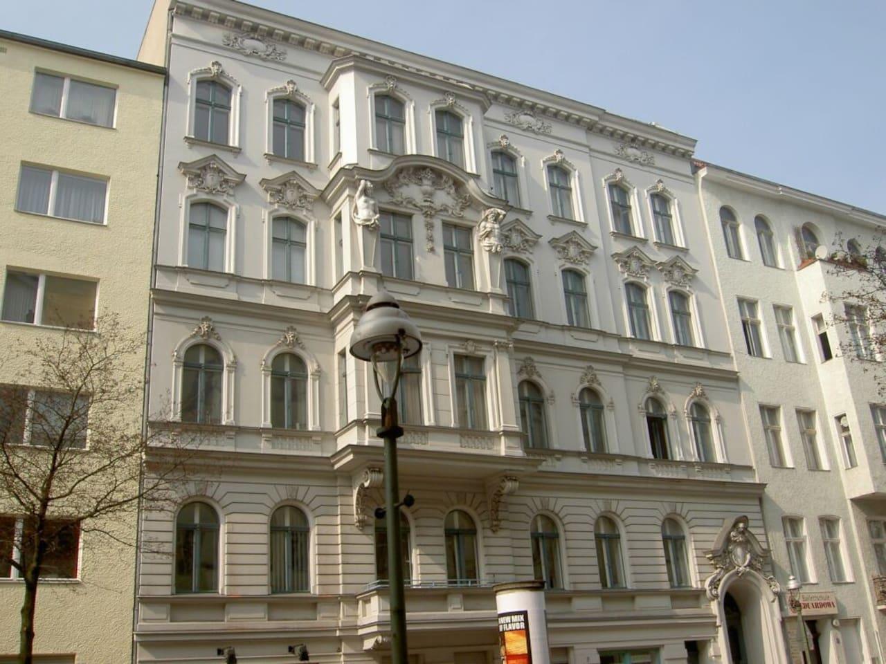 Haus Kalckreuthstr. 7, 10777 Berlin, 3. OG mit Lift