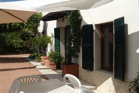 B&B 3 sorelle Lago di Garda e monti - Cavaion Veronese - Bed & Breakfast