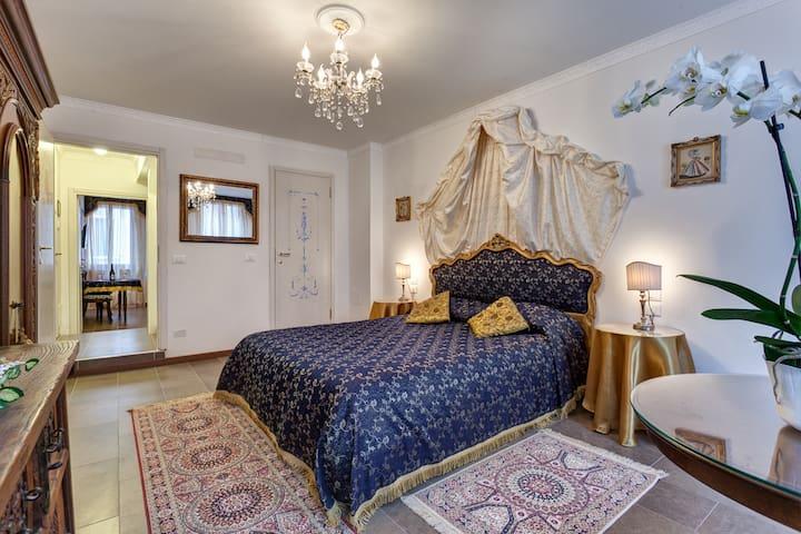 Blue apartment venetian de Luxe