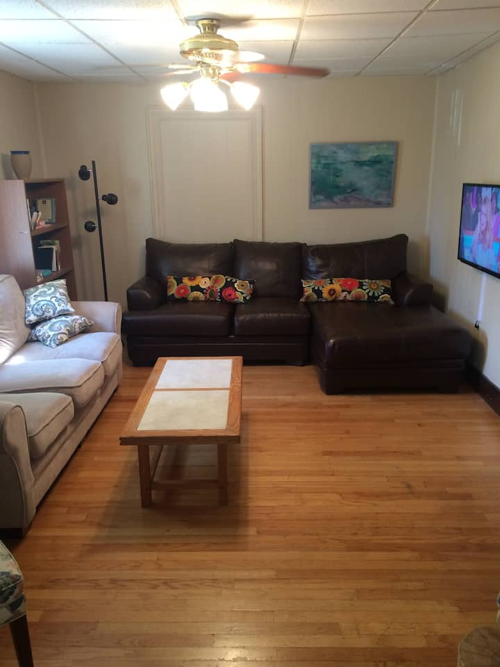 2 BR Apt 2nd floor private with parking for 6