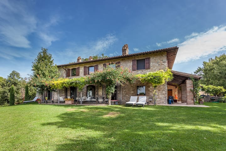 Todi Luxury casale with view - Castelvecchio - Villa