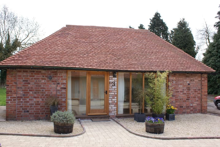 Hidden Cottages, near The NEC,Solihull and Henley - Warwickshire - Huis