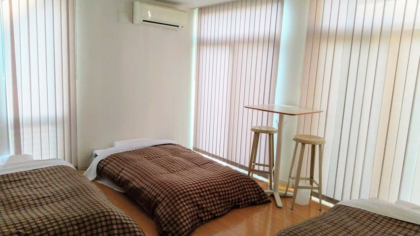 bed room 2 in 1F (single bed*3)