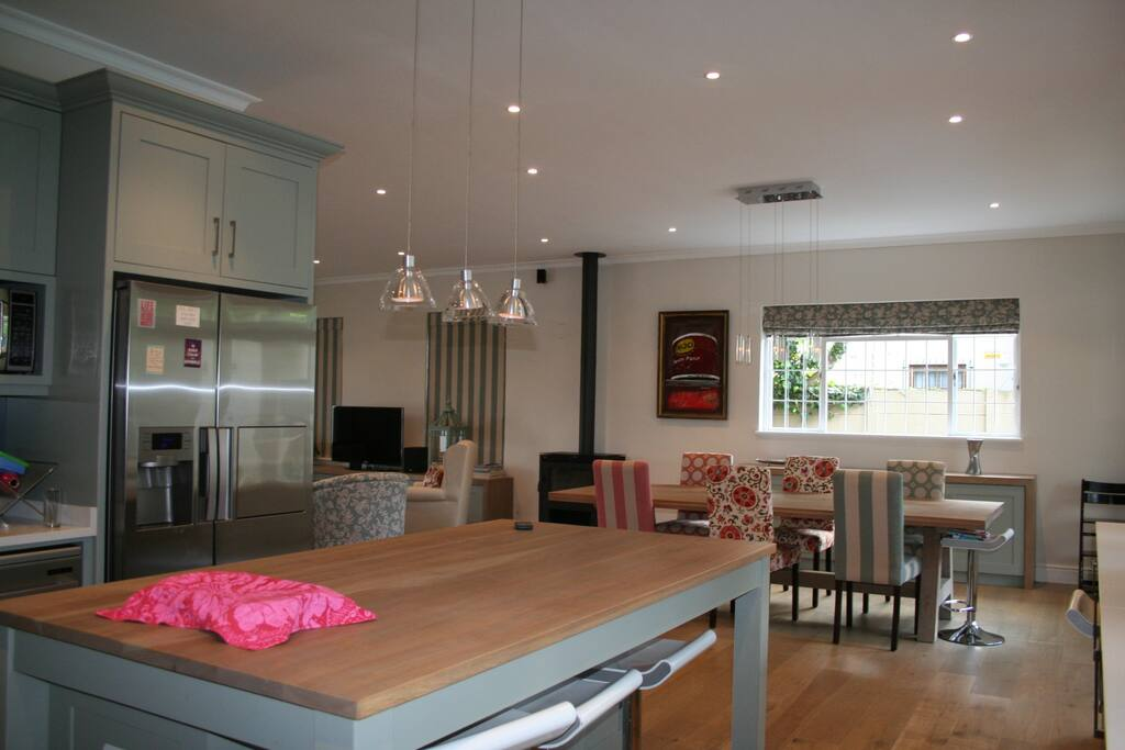Rooms To Rent In Claremont Cape Town