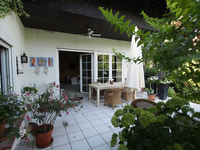 Home away from home - 1 Zimmer - Eggenstein-Leopoldshafen - Bed & Breakfast