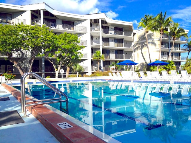 Key West Luxury 2 BR 2 BA Condo - Key West - Appartement