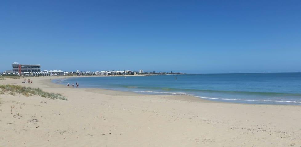 Town Beach / Large Group Bookings - Mandurah - Hus