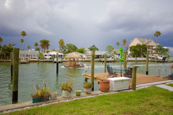 Dolphin view Oasis⚓Walk to Beach and Johns Pass⎈