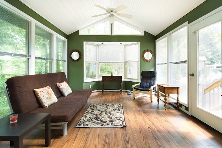 Country Living 15 min from Downtown - Raleigh - Apartament