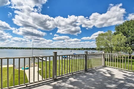 NEW! Stunning Bass Lake, IN home with private dock
