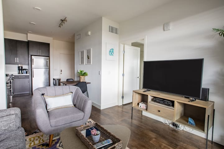 Cozy 1BR in Pasadena, Parking + Pet-Friendly