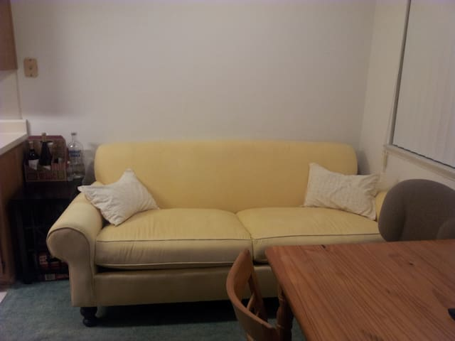 Cozy & Comfortable -Close to beach - Santa Barbara - Flat