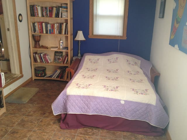 Guest room - Harrodsburg - House