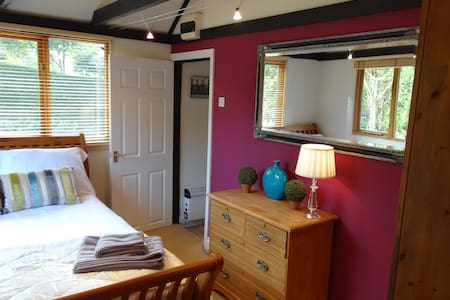 B&B accomodation - Hindhead - Bed & Breakfast
