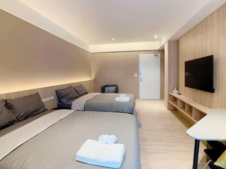 Lea's room in Tainan/ located in city center.
