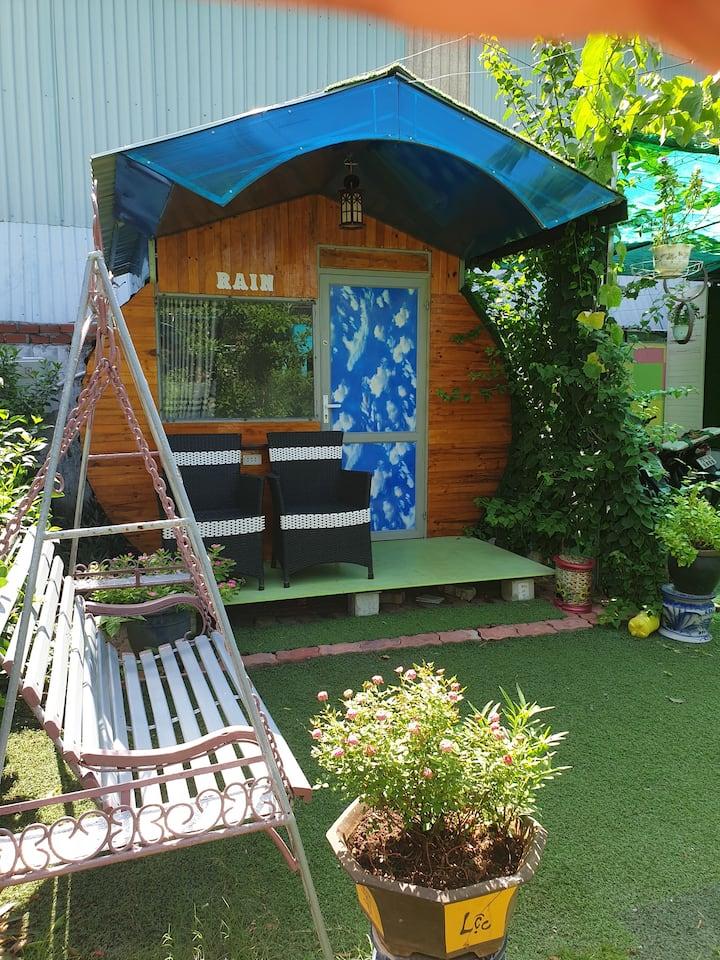 Phòng Cabin nhỏ view sân vườn đẹp - Homestay VT