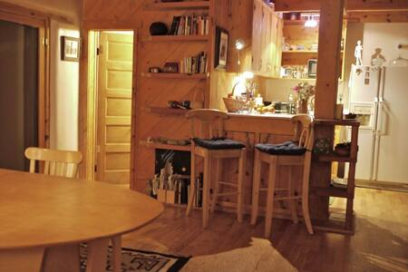 Lovely Adobe Artist's Studio/Loft - Bosque Farms - House