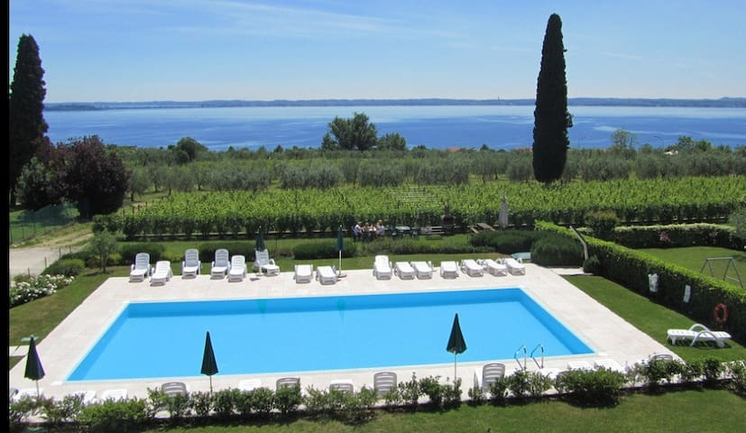 Deluxe apt. 3 bedrooms, pool, view - Moniga del Garda - Apartamento