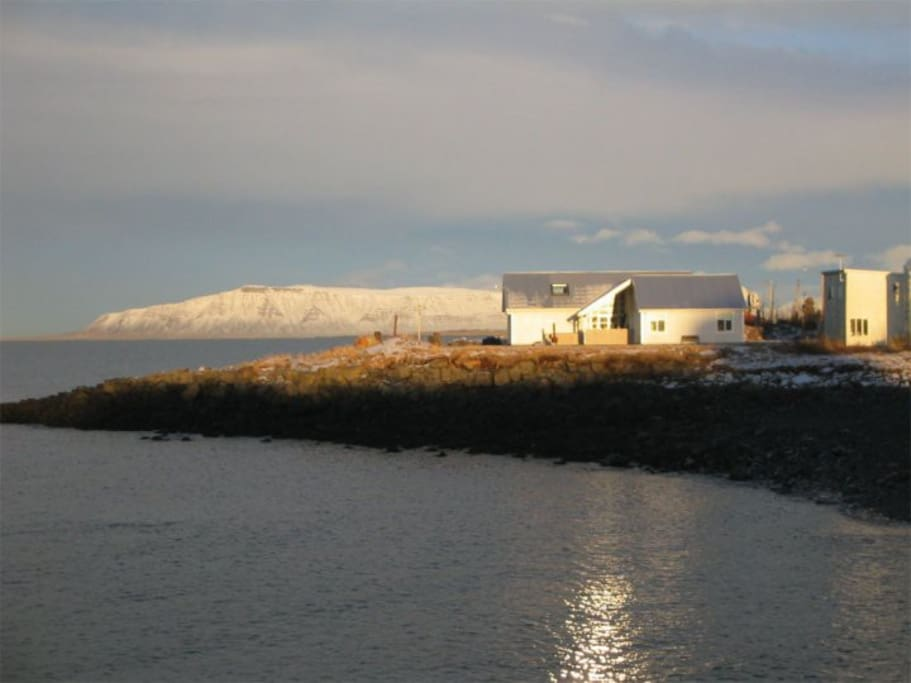 The house is located by the seaside at a unique spot in Reykjavik.