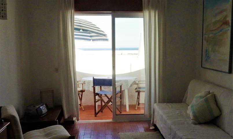 Apartamento na Praia de Salema - Budens - Pis