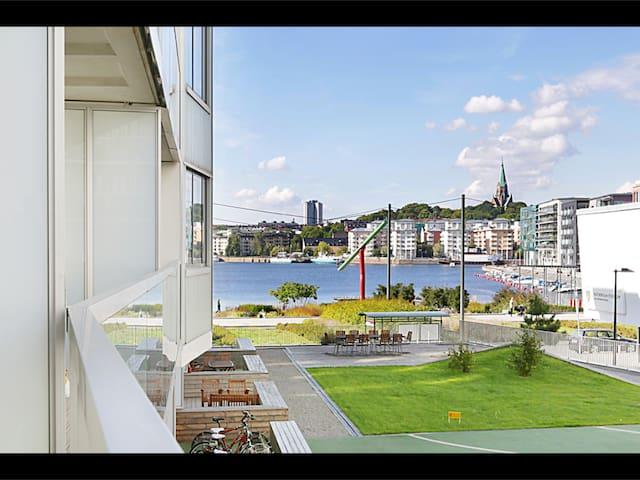36m2 i Hammarby sjöstad med sjöutsikt - Stockholm - Appartement