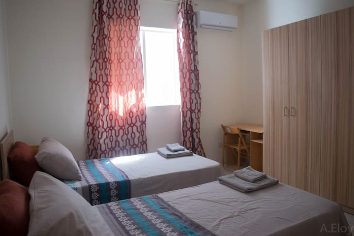 Bright spacious room in centre San Gwann! - San Ġwann - Leilighet