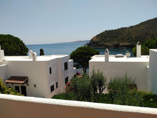 Casa en la Costa Brava delante del mar