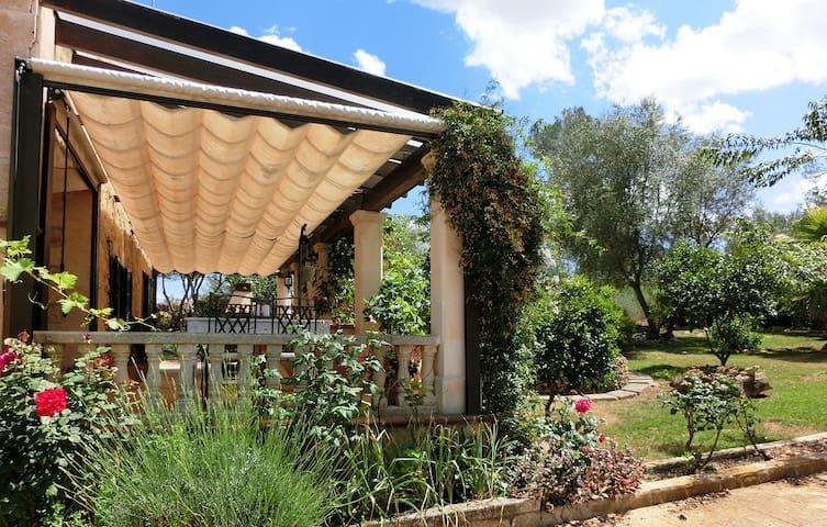 Charming Villa Patrizia with fantastic gardens - Sencelles - Villa