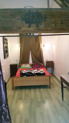 8 chambres pour 22 personnes