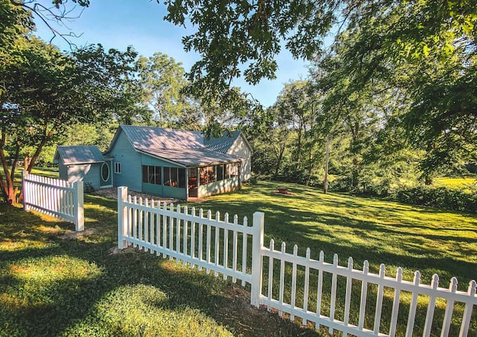 Farm House on the Meramec River & 160 Acres