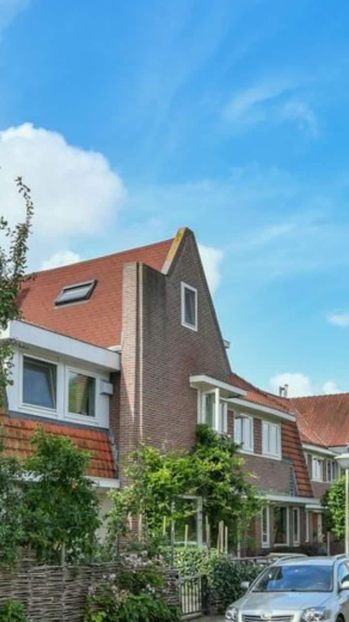 Uniek familie huis aan het Amsterdamse Bos
