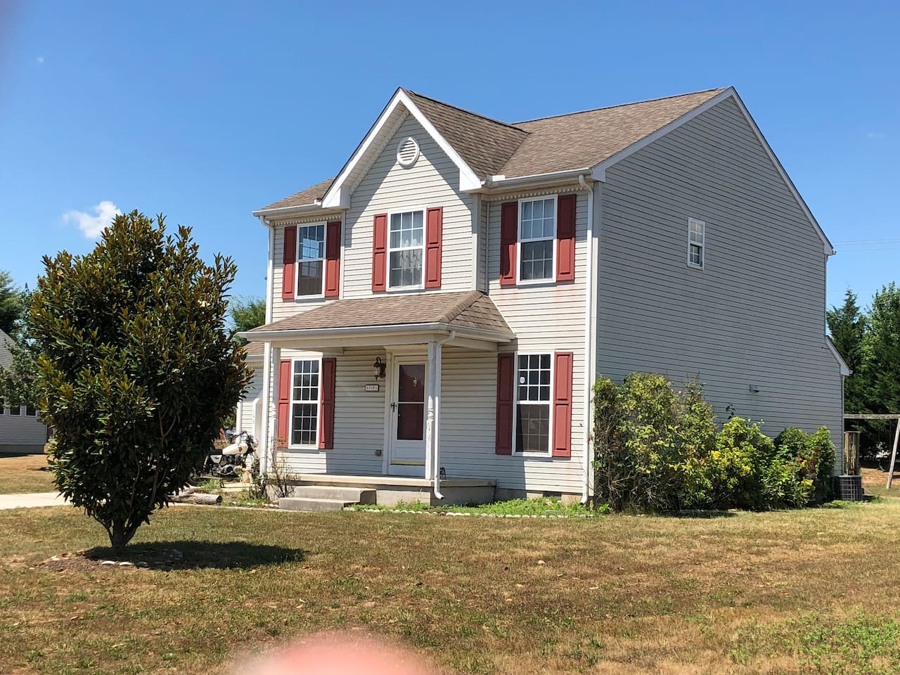 Our 3 bedroom, 2 1/2 bath home is easy to find in the Chimney Hills neighborhood. The house number is on the mailbox next to the road at the end of the driveway.