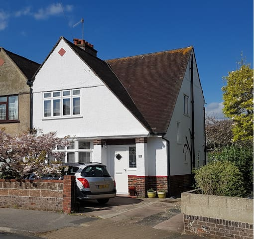 Comfortable family home - Portslade - Haus