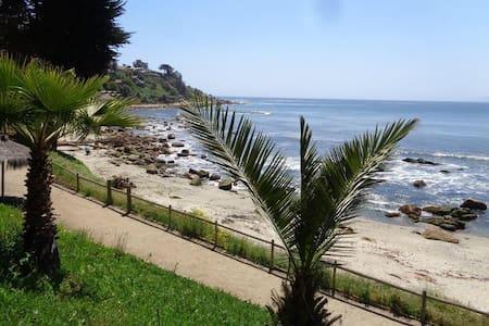 DEPARTAMENTO EQUIPADO EN CONDOMINIO BAHÍA PELICANO