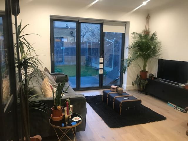 Large Double room in excellent location