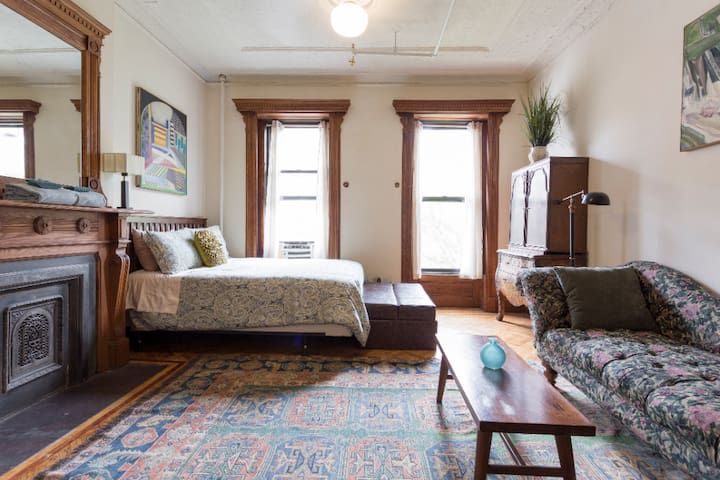 Historic Brownstone, Your Private Studio Apartment