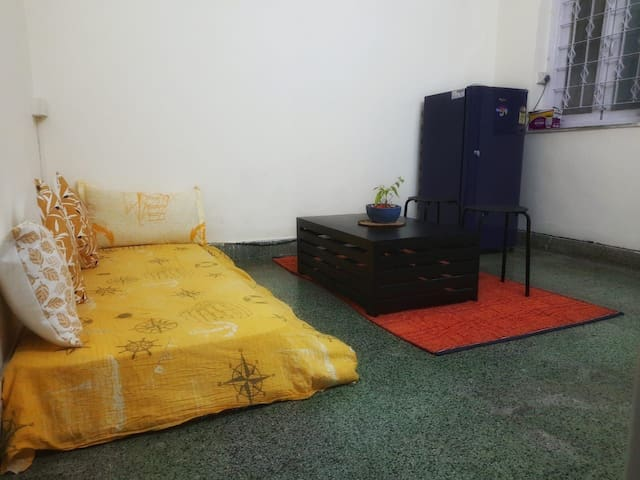 Private room (women only) in Mahim West