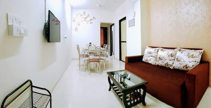 BLISS 19: SANITISED 3BR Family Apt-Andheri SV Road