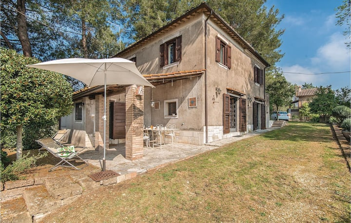 Holiday cottage with 2 bedrooms on 200m² in Collevecchio -RI-